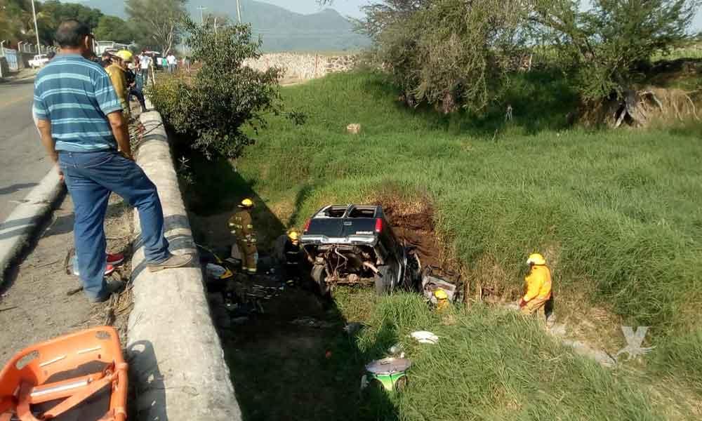 (VIDEO) Conjunto grupero sufre trágico accidente carretero en Jalisco, reportan 6 músicos muertos y 4 heridos
