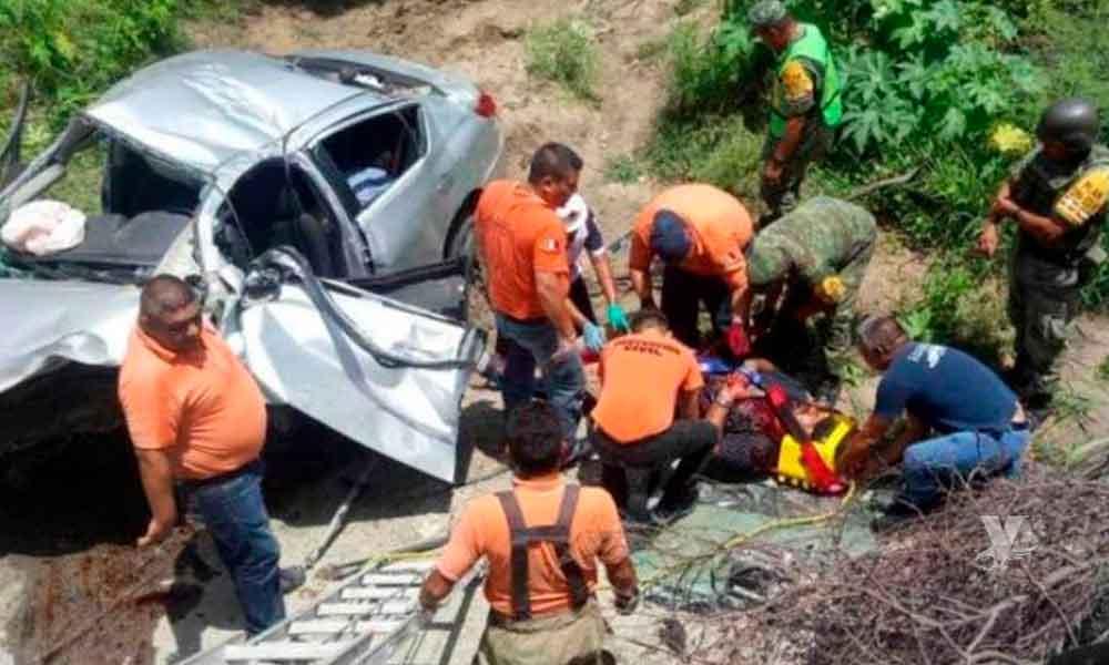 Falla mecánica es la causante de un accidente que dejó 5 miembros de una familia heridos y uno muerto