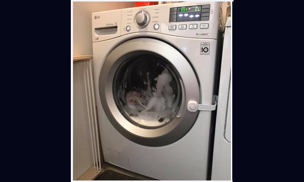 ¿Niños dentro de una lavadora? Madre emite advertencias