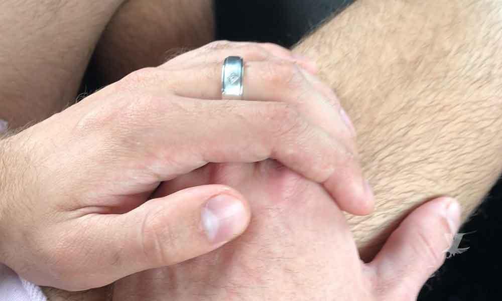 Actor porno pide matrimonio a su pareja mientras realizaban grabación de orgía gay