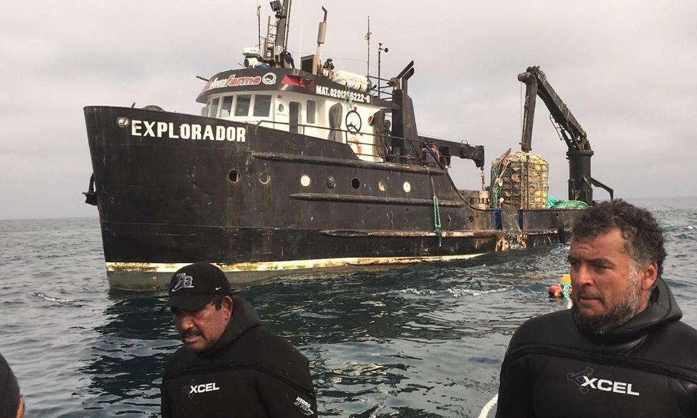 Atienden hundimiento de una embarcación mayor en Isla Coronado, Baja California (VIDEO)