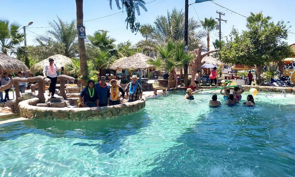 Brindan una opción para refrescarse en el Valle de Mexicali
