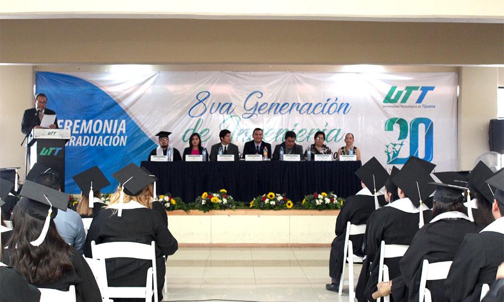 Realizan ceremonia de graduación de Ingenieros de la Universidad Tecnológica de Tijuana