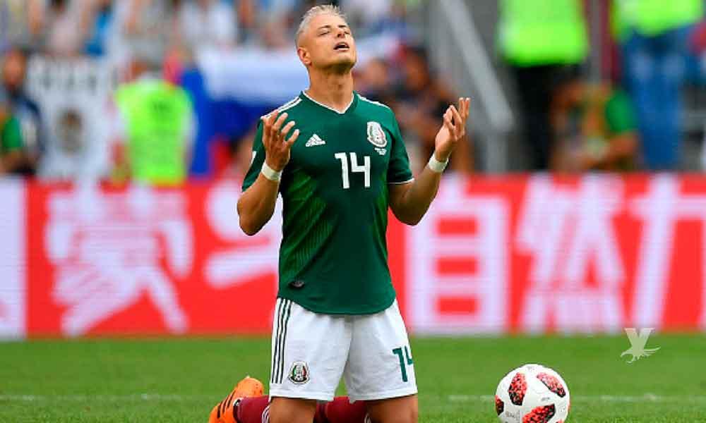 """Javier """"Chicharito"""" Hernandez es captado de vacaciones con su nueva novia"""