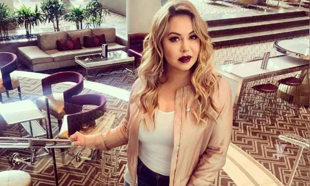 Chiquis Rivera confiesa que cobra a sus fans por tomarse fotos con ella