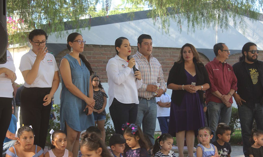 Felicitan a 350 alumnos quienes se gradúan de los Talleres de Arte y Cultura de Cecutec