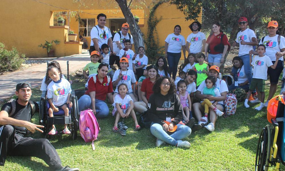 Disfrutan niños y niñas del Club Teletón paseo de verano en Tecate
