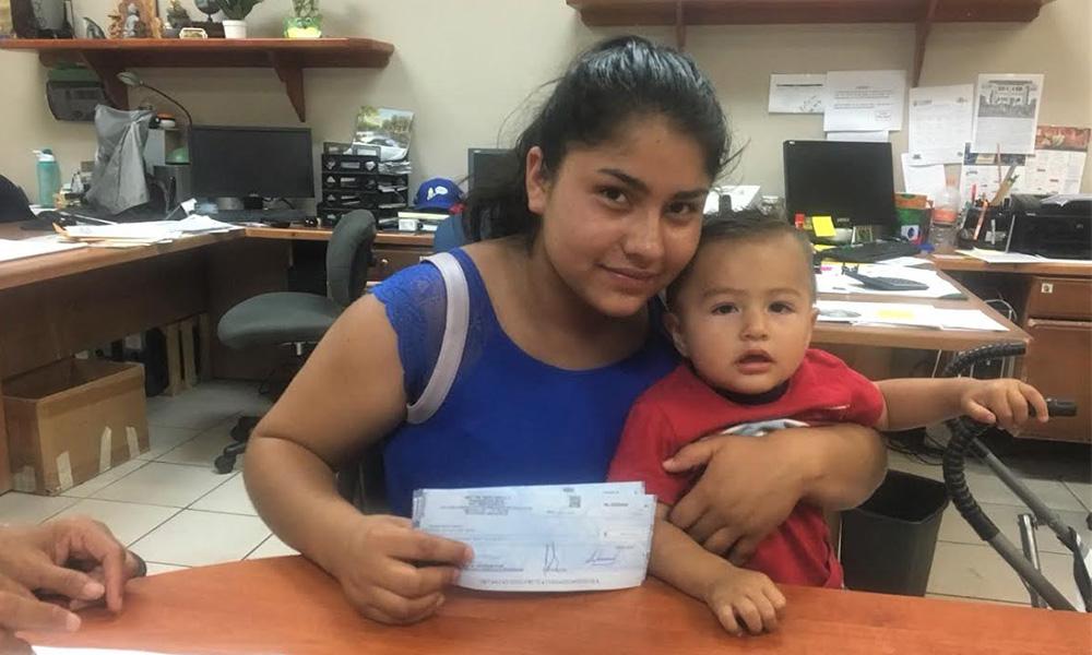 Entregan Becas a Madres Jóvenes y Jóvenes Embarazadas de hasta 850 pesos mensuales