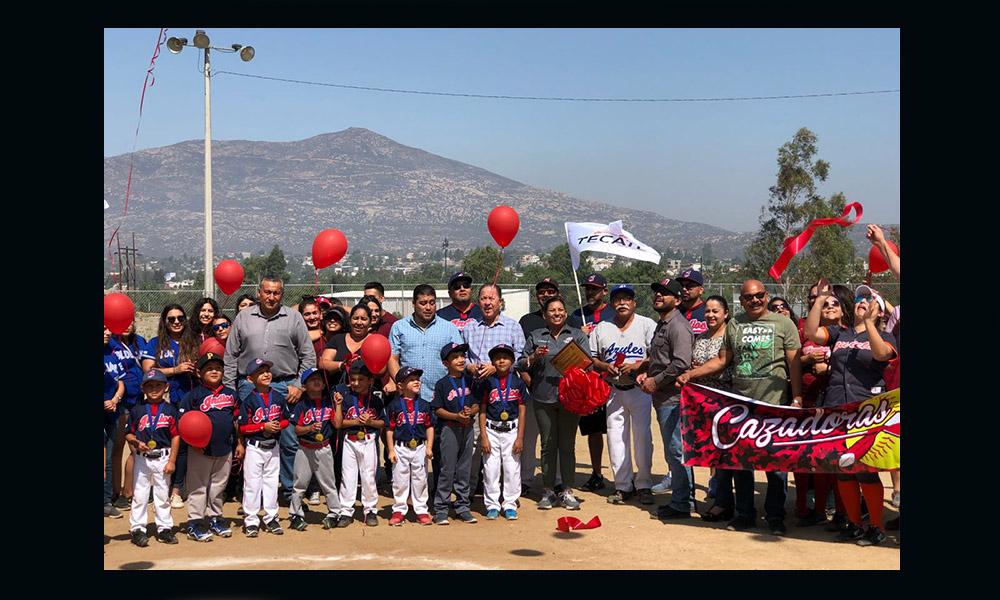 Entregan el Campo de Sóftbol remodelado a la Liga Femenil de Tecate