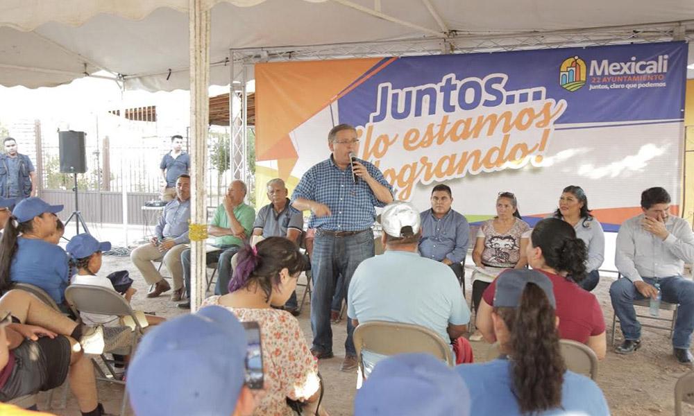 Entregan obra de agua potable y ampliación de energía eléctrica en la Delegación Hermosillo en Mexicali