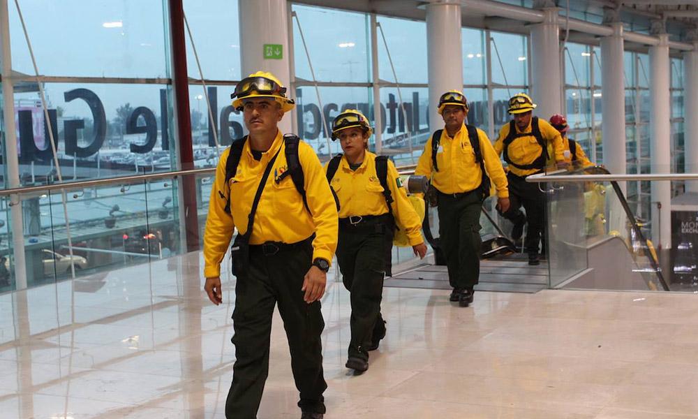 Envía México segundo contingente de 102 combatientes forestales a Canadá