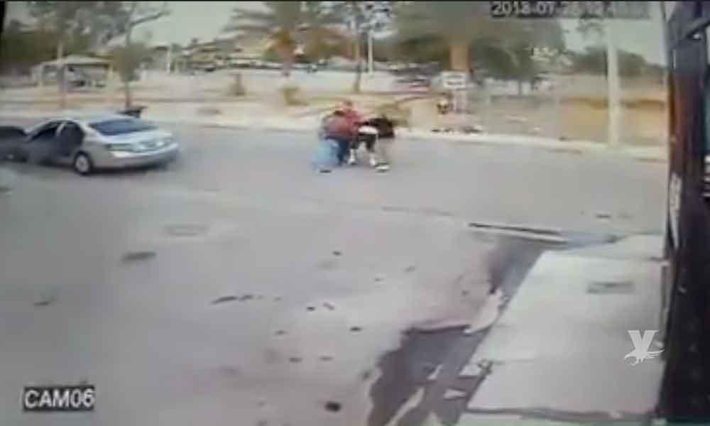 (VIDEO) 3 Sujetos golpean a hombre para quitarle a su hijo por órdenes de su ex pareja en Mexicali