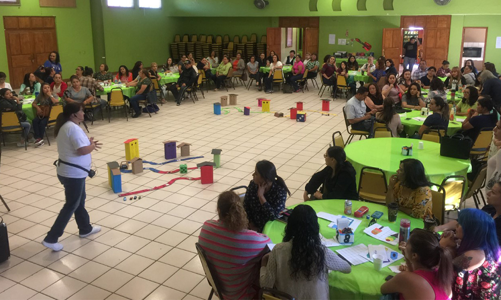 Participan educadoras en el Taller Pensamiento Temático en Tecate