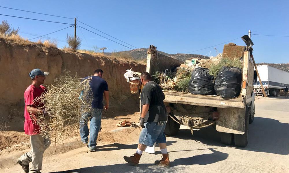 Participan vecinos en limpieza del Fracc. Mayab de Tecate