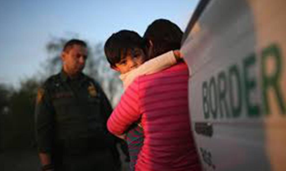 Autoridades de Estado Unidos pelean por la seguridad de los niños migrantes