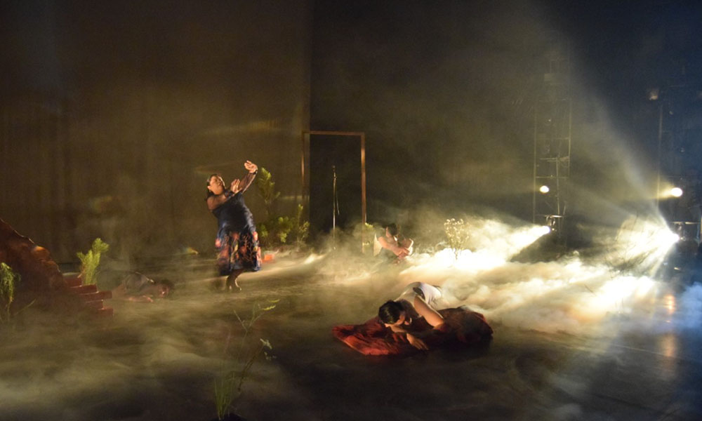 """Presentó Teatro en el Incendio el espectáculo """"Nada Mejor que una Historia de Supervivencia""""  en CEART Tecate"""