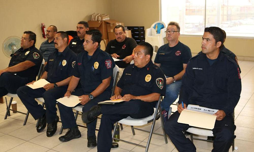 Reciben Bomberos capacitación sobre sistema de comando de incidentes en Ensenada