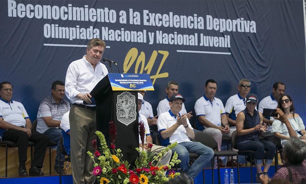Reconocen la excelencia deportiva en Baja California