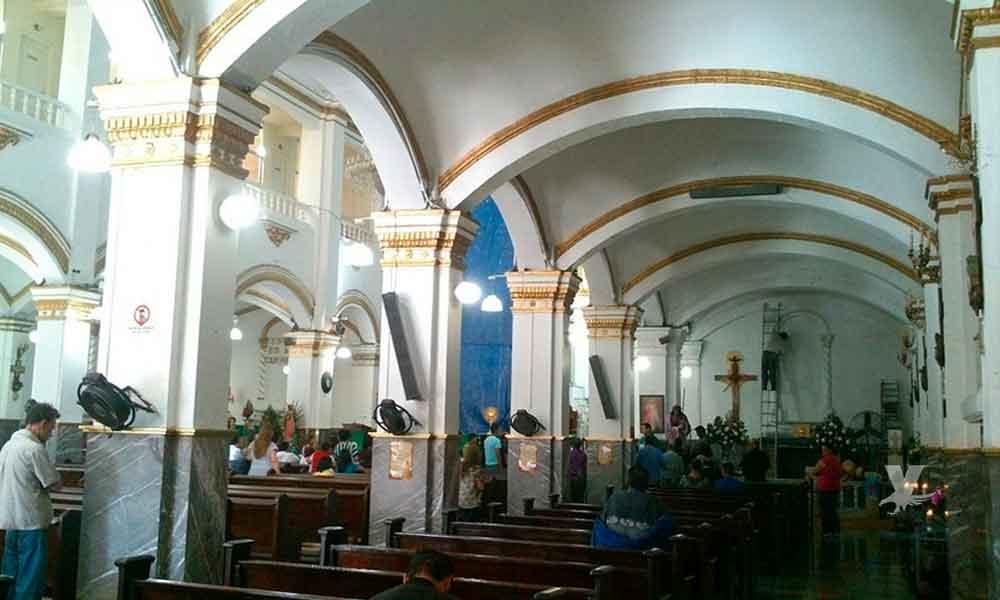 Delincuentes asaltan a feligreses dentro de la iglesia en Tijuana