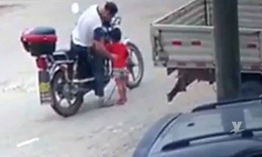 (VIDEO) Motociclista secuestra a niña de tres años