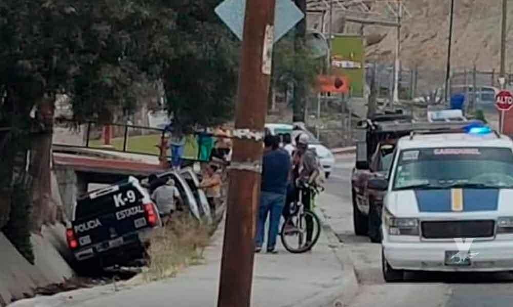 Patrulla de la PEP cayó a canal pluvial durante una persecución en Tijuana