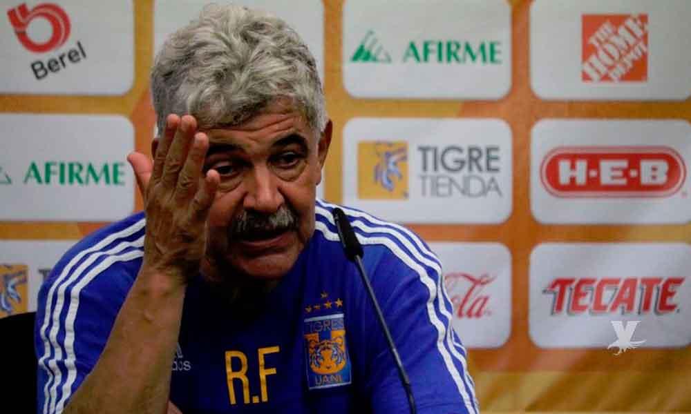 "(VIDEO) ""Tuca"" Ferreti llama idiota a reportero en conferencia de prensa"
