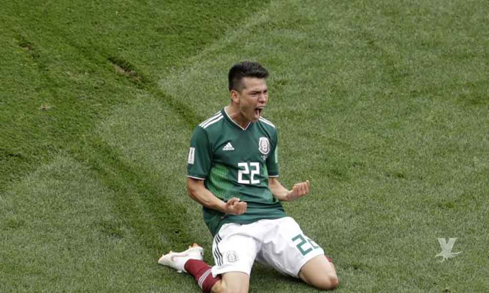 """Manchester United prepara oferta millonaria por """"Chucky"""" Lozano"""