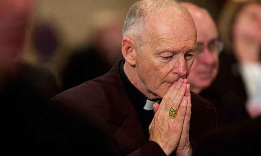 Papa acepta renuncia de cardenal de EU tras escándalo de abuso sexual