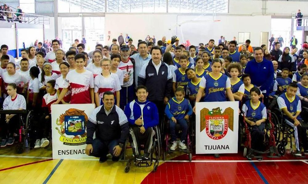 Abanderan a deportistas paralímpicos de Baja California