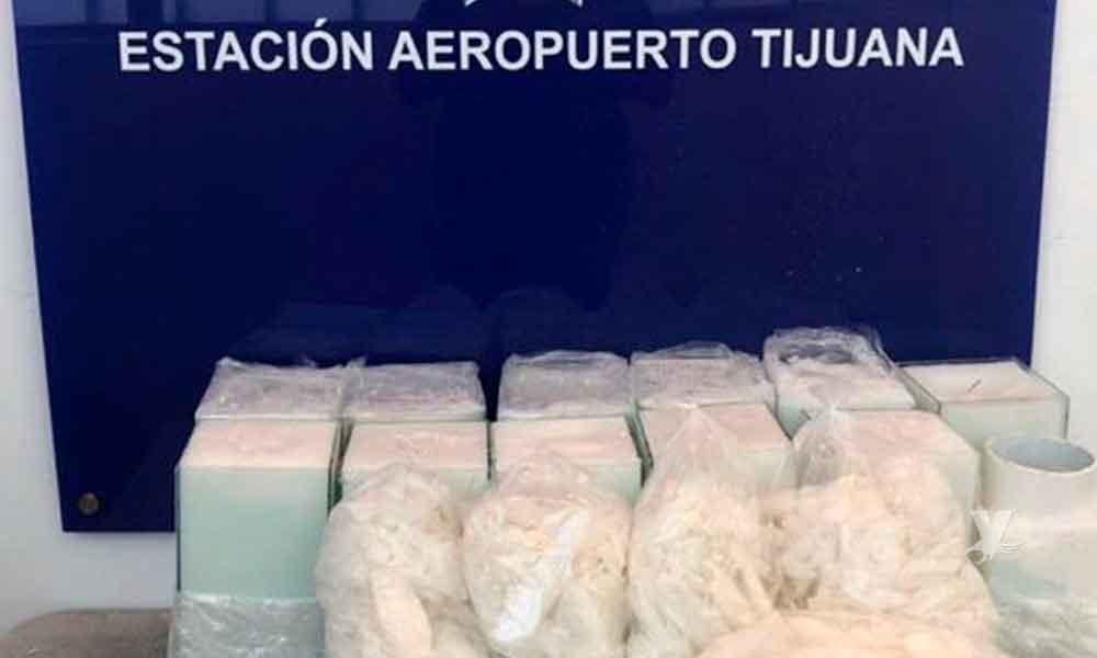 (VIDEO) Aseguran más de 16 kilos de metanfetamina escondidos en velas en Aeropuerto de Tijuana