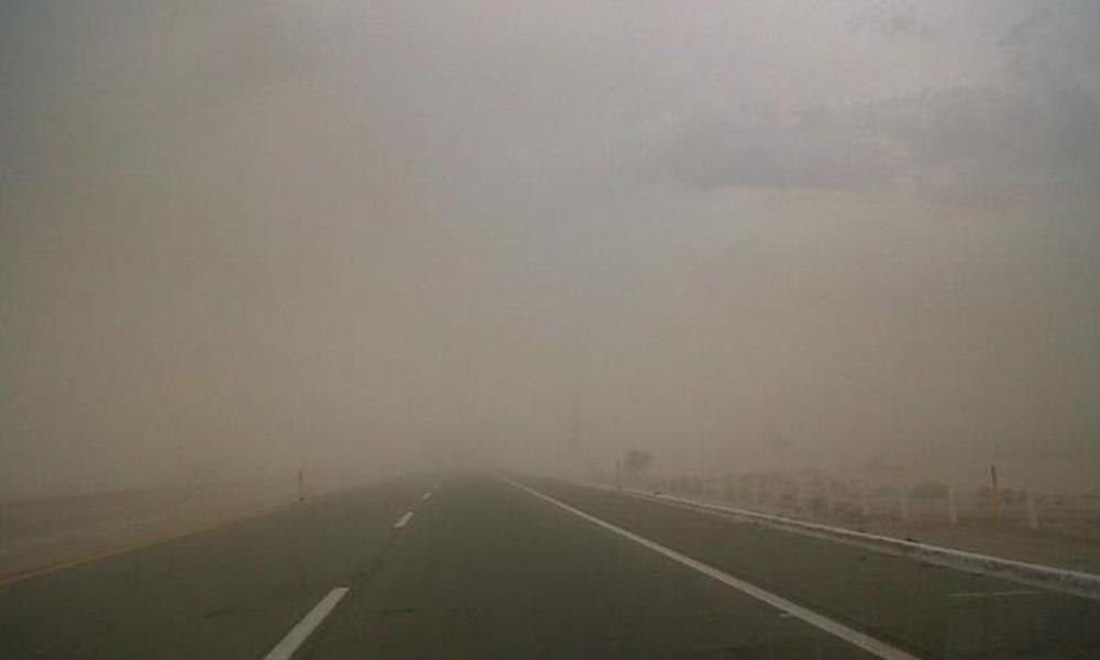 Alertan a conductores por tormentas de arena en Mexicali