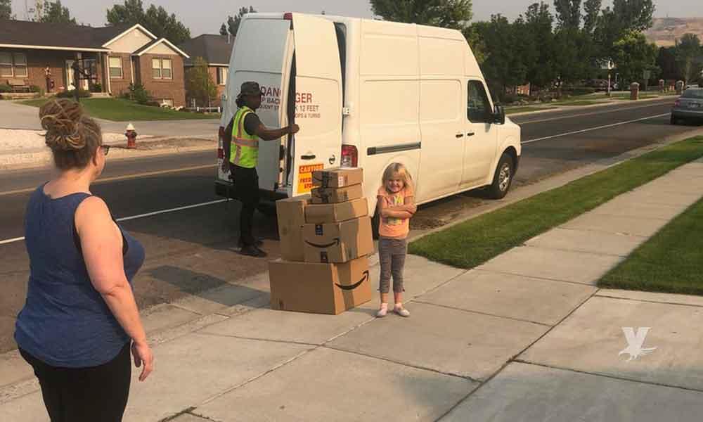 Niña de 6 años ordenó $350 dólares en juguetes por Amazon sin avisarle a su mamá