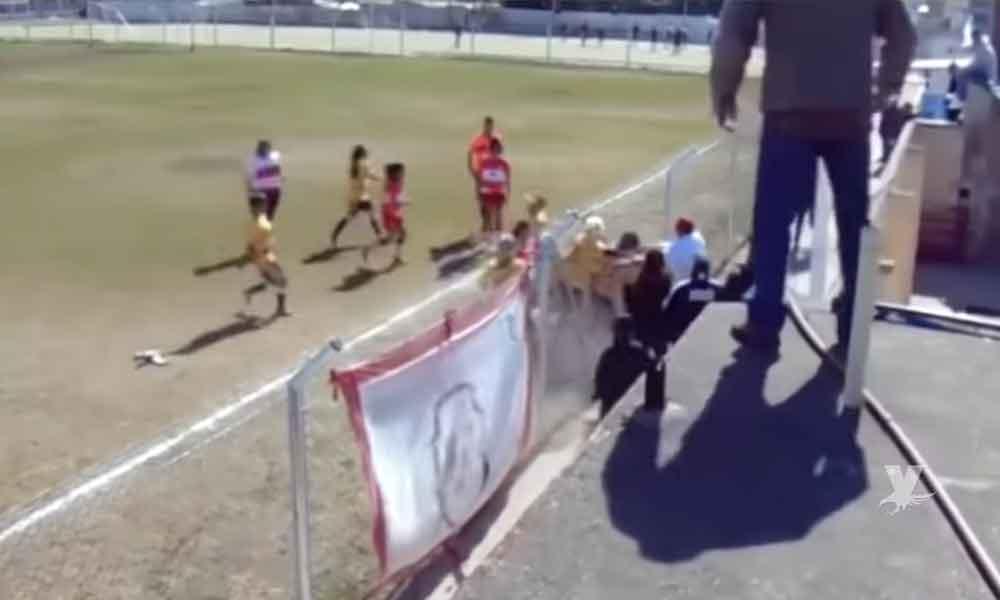 (VIDEO) Batalla campal en futbol femenil manda a 4 jugadoras al hospital
