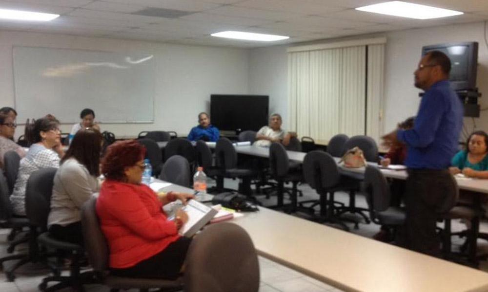 Capacitan a docentes y directivos para la evaluación del desempeño profesional en Tecate