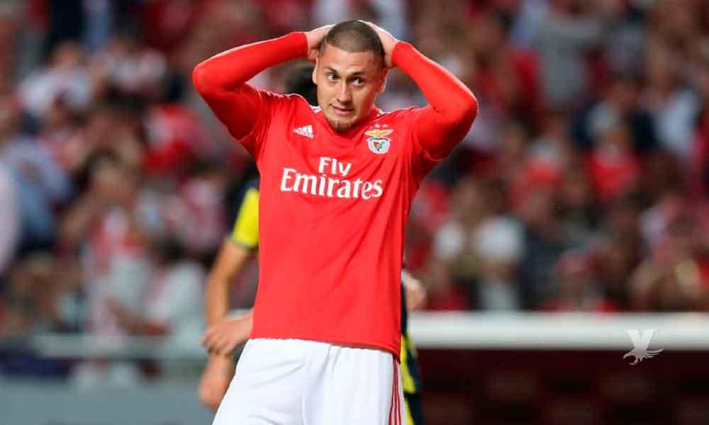 Nicolás Castillo no podrá debutar en Europa con el Benfica por culpa del América