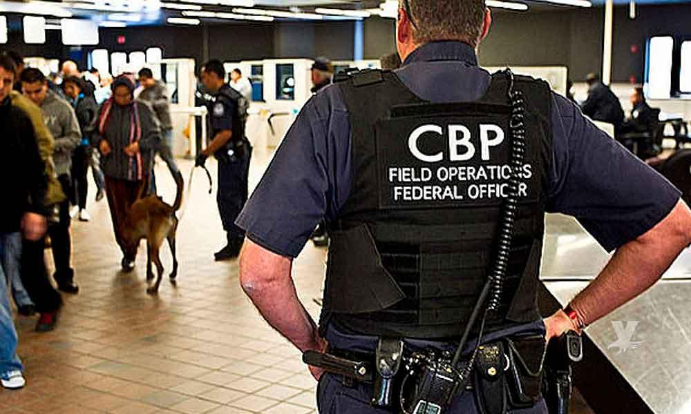 Oficial de CBP es arrestado por estrangular a un viajero en garita de San Ysidro