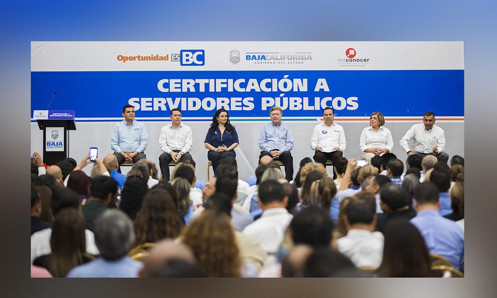 Baja California certifica al mayor número de servidores públicos en competencia laboral en el país