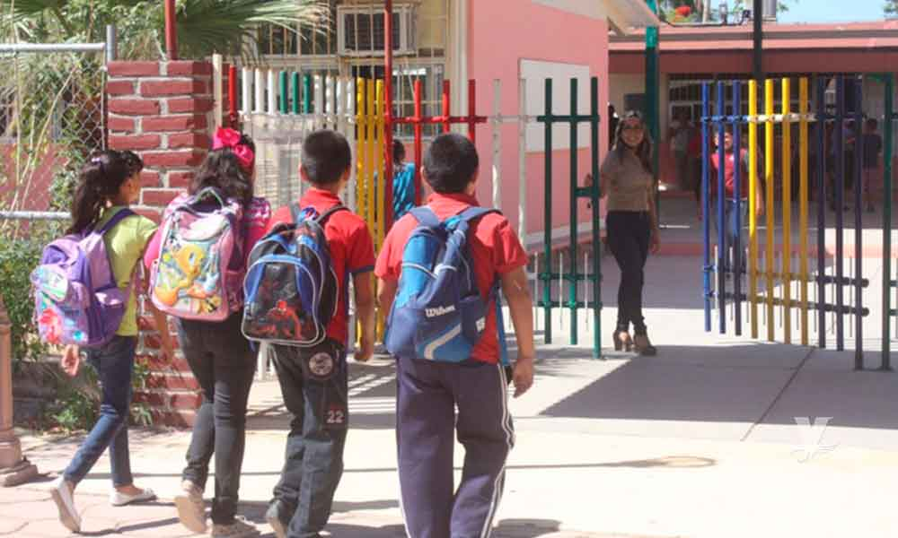 En Baja California regresan a clases más de 685 mil estudiantes