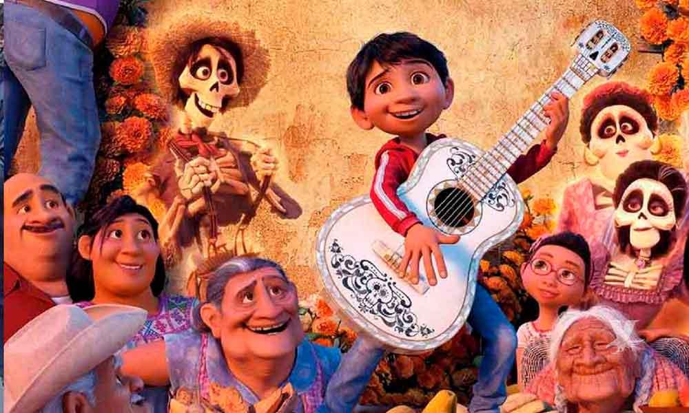 """Proyectarán gratis """"Coco"""" y otras películas al aire libre en San Diego"""