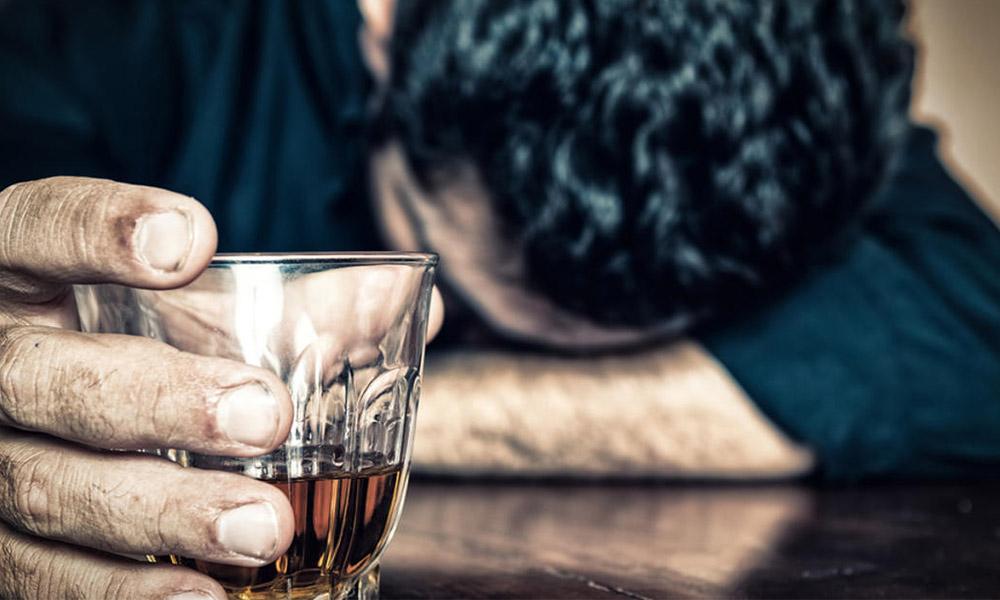 Crean científicos un aerosol nasal para combatir el alcoholismo