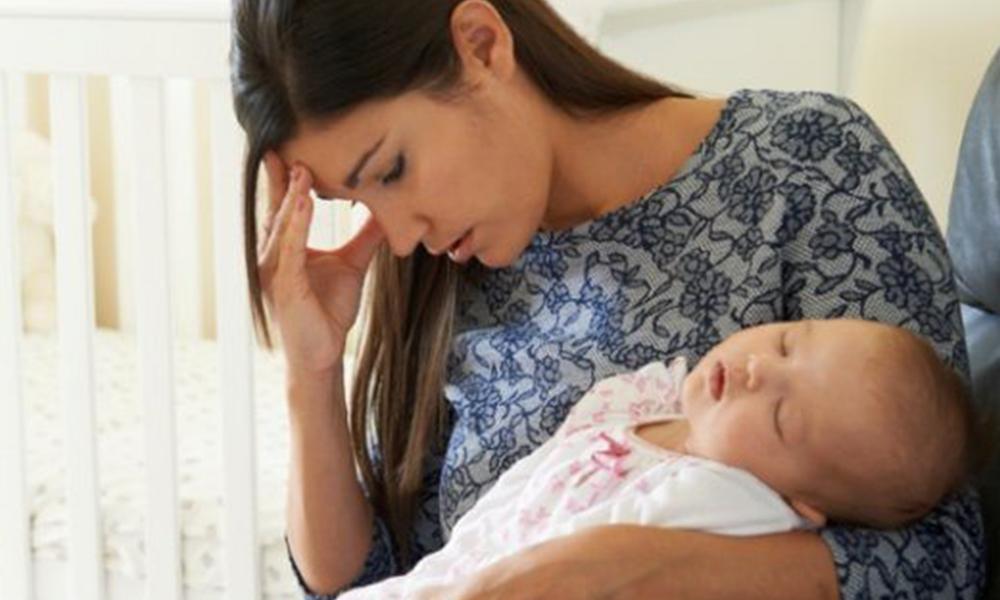 Sufrir depresión post-parto es un riesgo para el bebé: IMSS