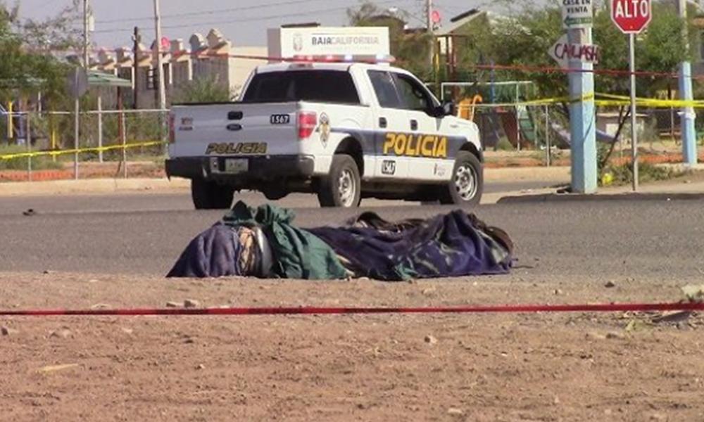 Encuentran cadáver encobijado en Vistas del Valle en Mexicali