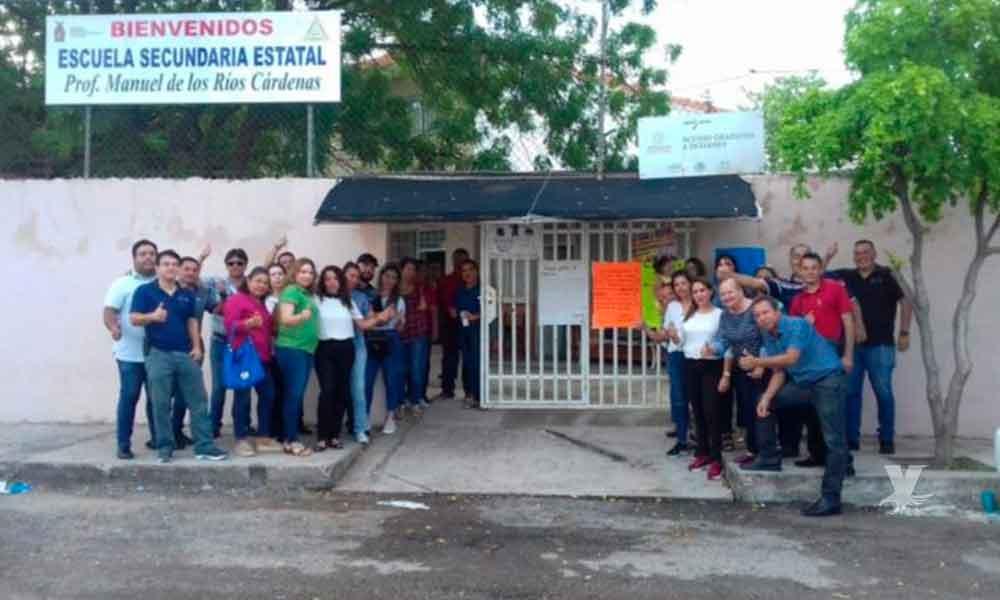 Maestros no abrieron las puertas de las escuelas, se van a paro laboral en su primer día de trabajo en Sinaloa