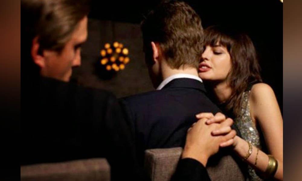 Imponen multa millonaria por salir con una mujer casada