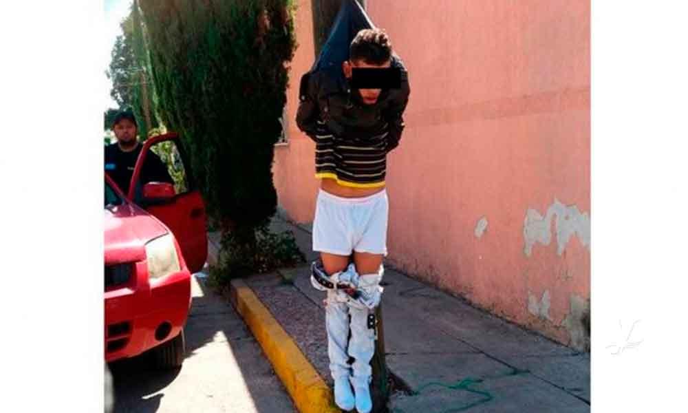 Vecinos colgaron a un presunto ladrón de un poste en Aguascalientes