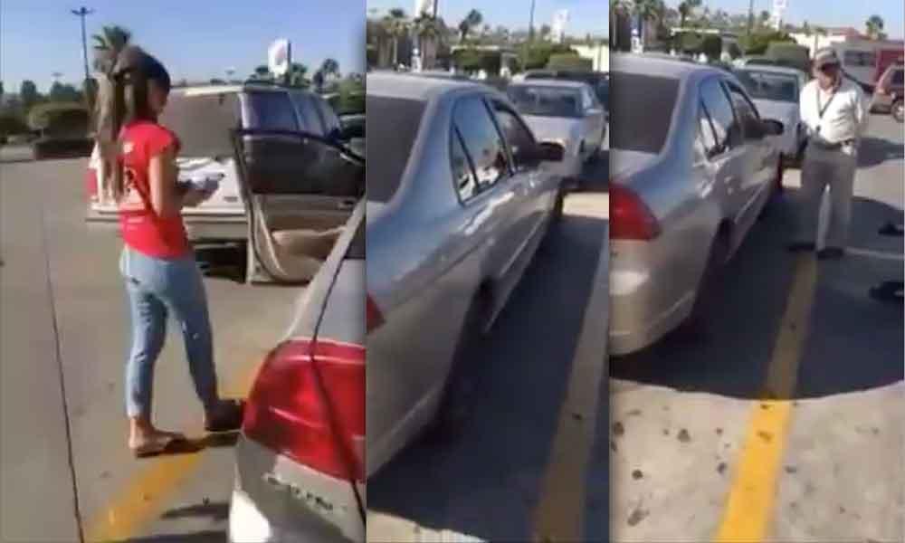 (VIDEO) Dejó a menor encerrado en el auto para ir de compras en Tecate, la denuncian en redes sociales