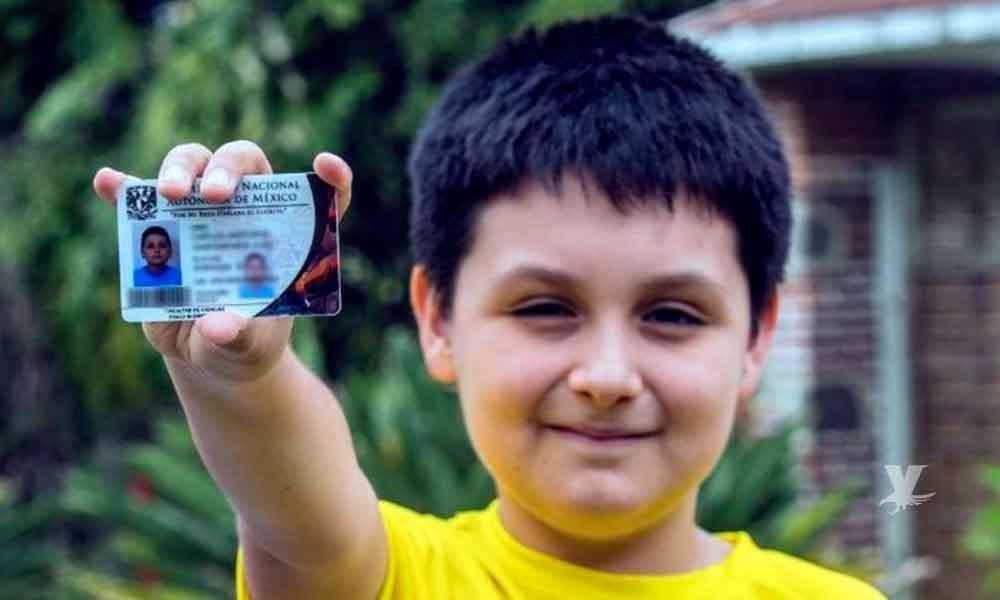 Carlos Antonio tiene 12 años y estudiará una licenciatura en la UNAM