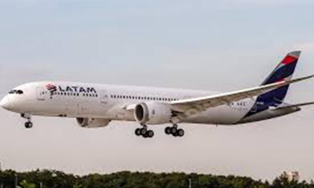Muere niña de 14 años durante vuelo de Miami a Santiago