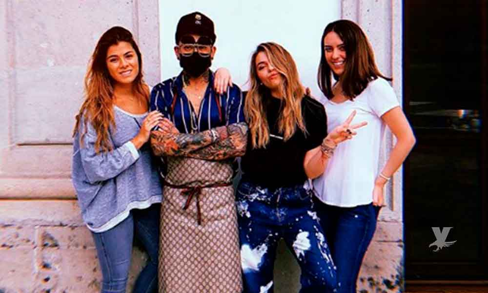 Sofía Castro y Paulina Peña convirtieron Los Pinos en estudio de tatuajes para el famoso tatuador Jon Boy