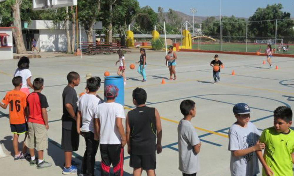 Planean crear escuela de baloncesto para niñas y niños en Tecate